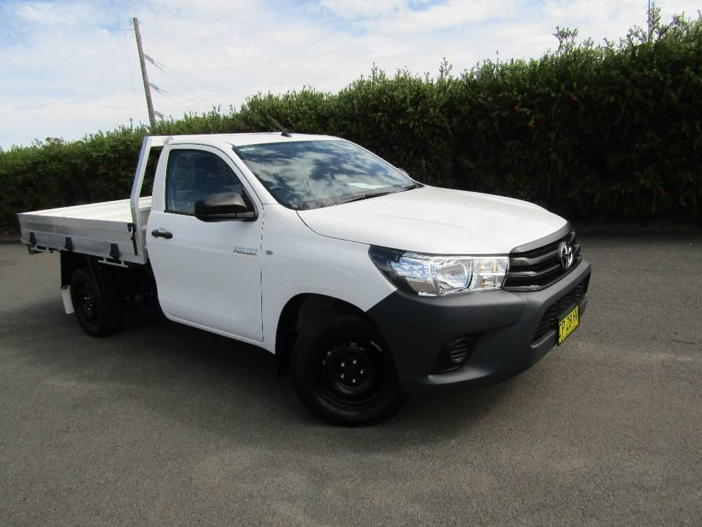 17 Toyota Hilux TGN121R WORKMATE
