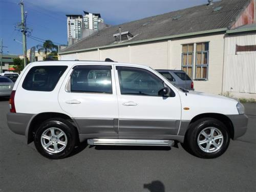 2003 Mazda Tribute  CLASSIC TRAVELLER