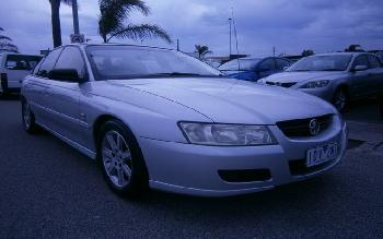 2004 Holden COMMODORE EXECUTIVE VZ