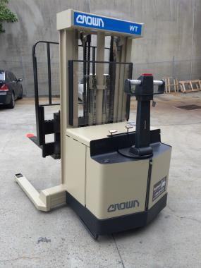 Crown WT HEAVY DUTY STACKER