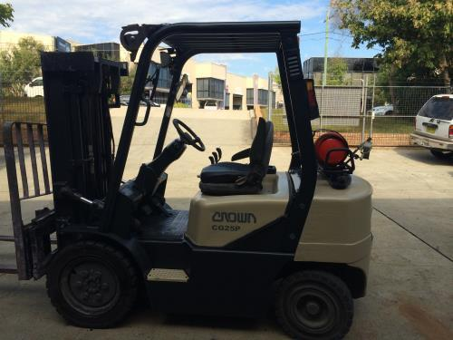 Crown CG25P CONTAINER MAST LPG FORKLIFT